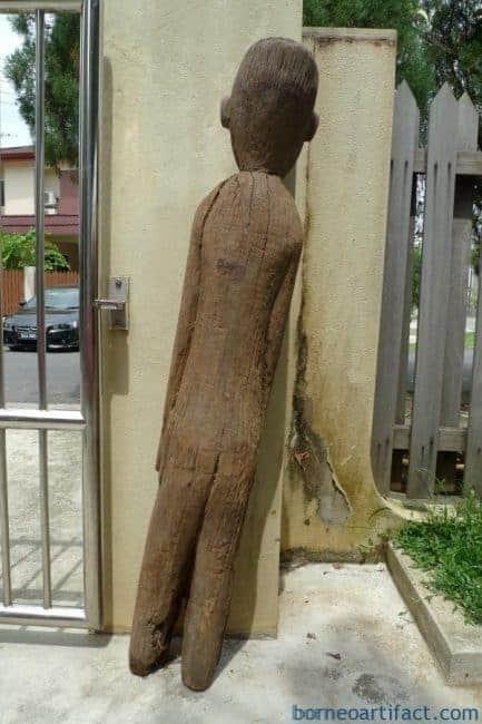 DAYAKKALTENGmmlbGIANTSTATUEErodedOutdoorFigureSculptureIndonesia