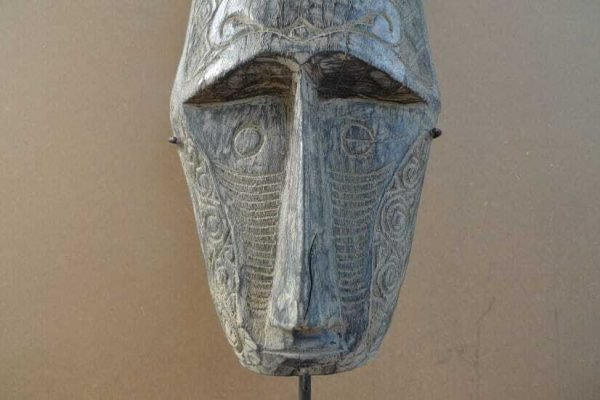 FACE OF ASIA 570mm/22.4 MASK ON STAND Native Indonesia Asian Facial Statue Art